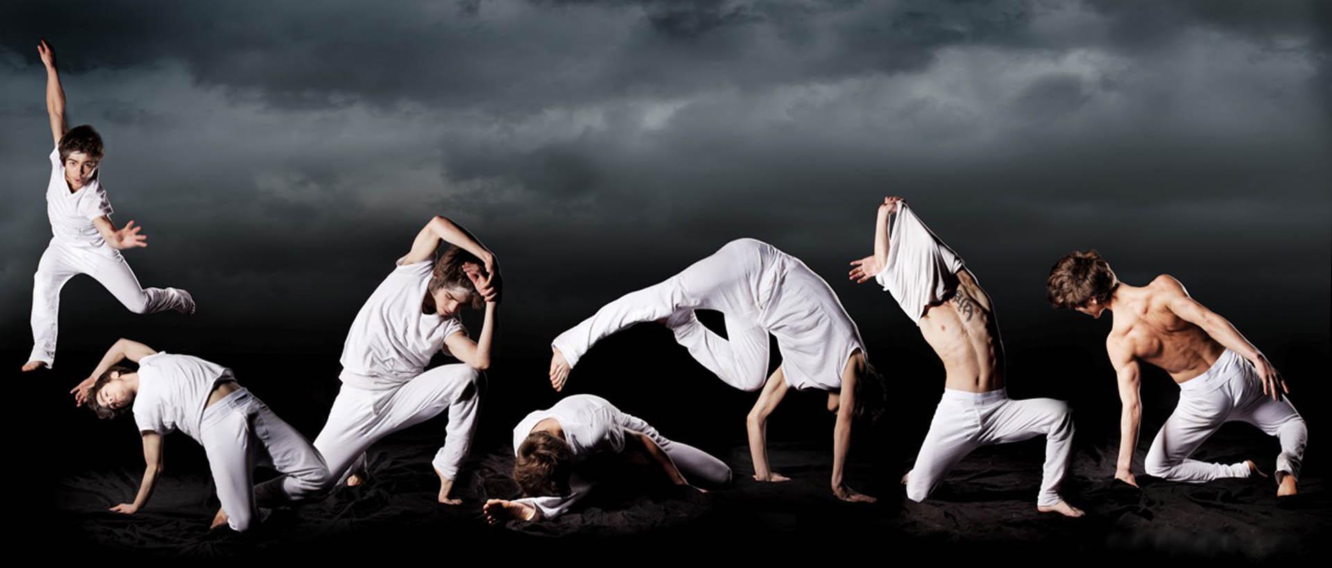 Tanzgruppe und Regie von Carlos Sampaio